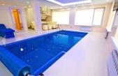 Аренда дома с бассейном посуточно Софиевская Борщаговка - крытый бассейн