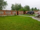 Аренда дома посуточно на Осокорках, на берегу озера! - газон