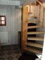 Аренда дома посуточно на Русановских садах МВЦ - лестница
