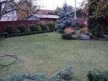 Аренда дома посуточно на Русановских садах МВЦ - газон