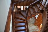 Аренда дома посуточно в Заборье! - деревянная лестница