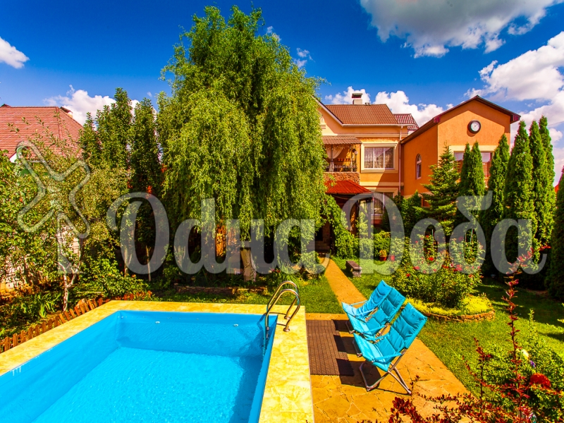Аренда дома с бассейном посуточно Софиевская Борщаговка - бассейн