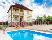 Аренда дома посуточно, с бассейном,на Борщаговке!