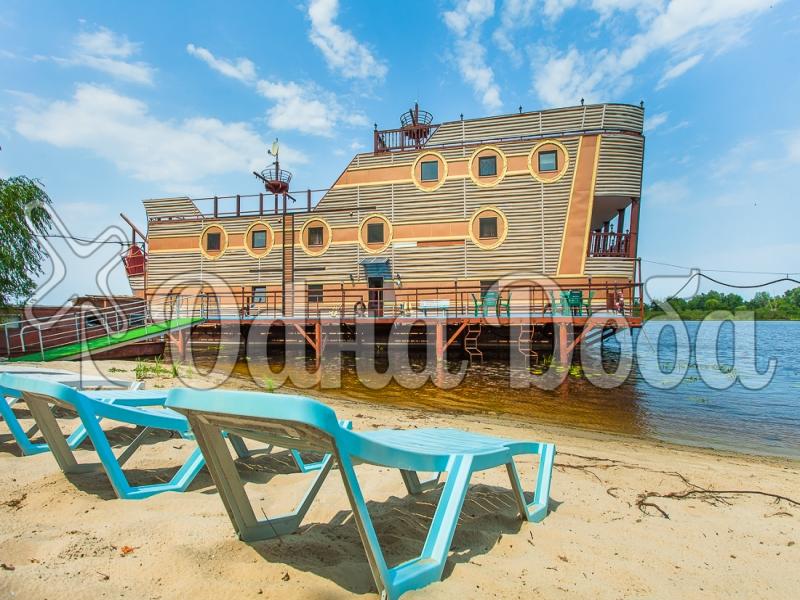 Коттедж посуточно на воде Конче-заспа - фасад