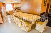 Дом посуточно на Троещине у залива Десны! - обеденный стол