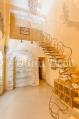 Аренда дома посуточно на Русановских садах! - необычная лестница