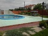 Аренда дома в с. Гатное - бассейн во дворе