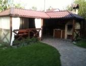 Дом посуточно на Нивках с бассейном