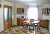 Аренда дома посуточно в Пуховке,на берегу десны! - кухня