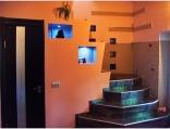 Аренда дома посуточно на Русановских садах! - лестница